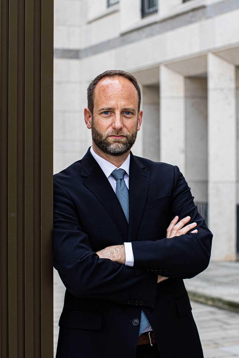 Dr. Jan Schumacher
